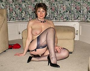 Bombshells hot women in heels pictures