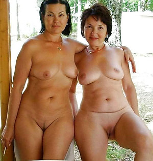 Nude mature bitches fucking pics