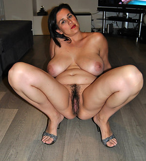 Homemade pics of sexy mature girls