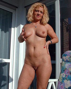 Sweet Tiffany nude mature girl