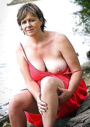 Cute amateur moms mature tits pics