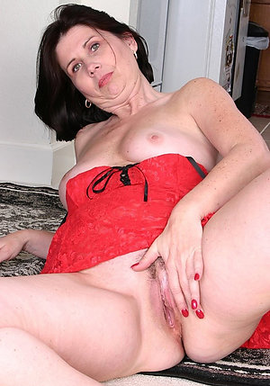 Inexperienced old milfs with big booty