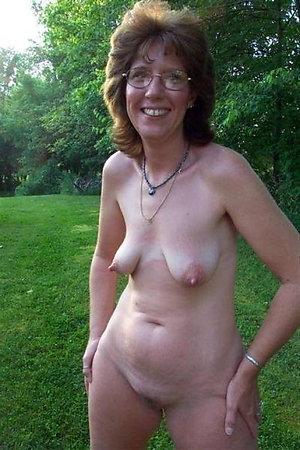 Naked lusty mature slut wife photos