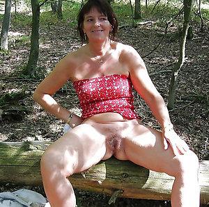Xxx curvaceous mature slut wife