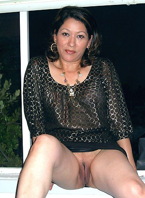 Homemade pics of naked older latina women