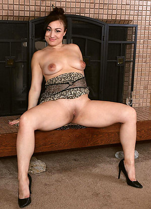 Xxx amateur naked older latina women