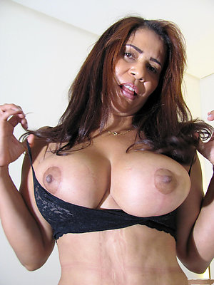 Pretty beautiful old latina women pics