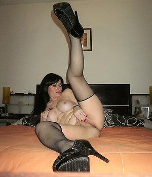 Xxx hot nude beautiful mature legs