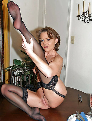 Slutty old lady legs porn pictures
