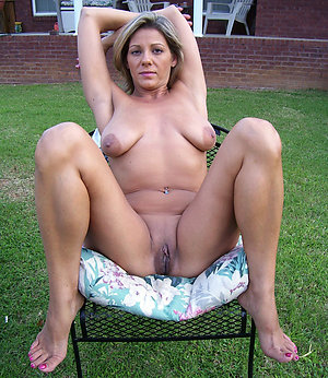 Gorgeous naked mature hot legs pics