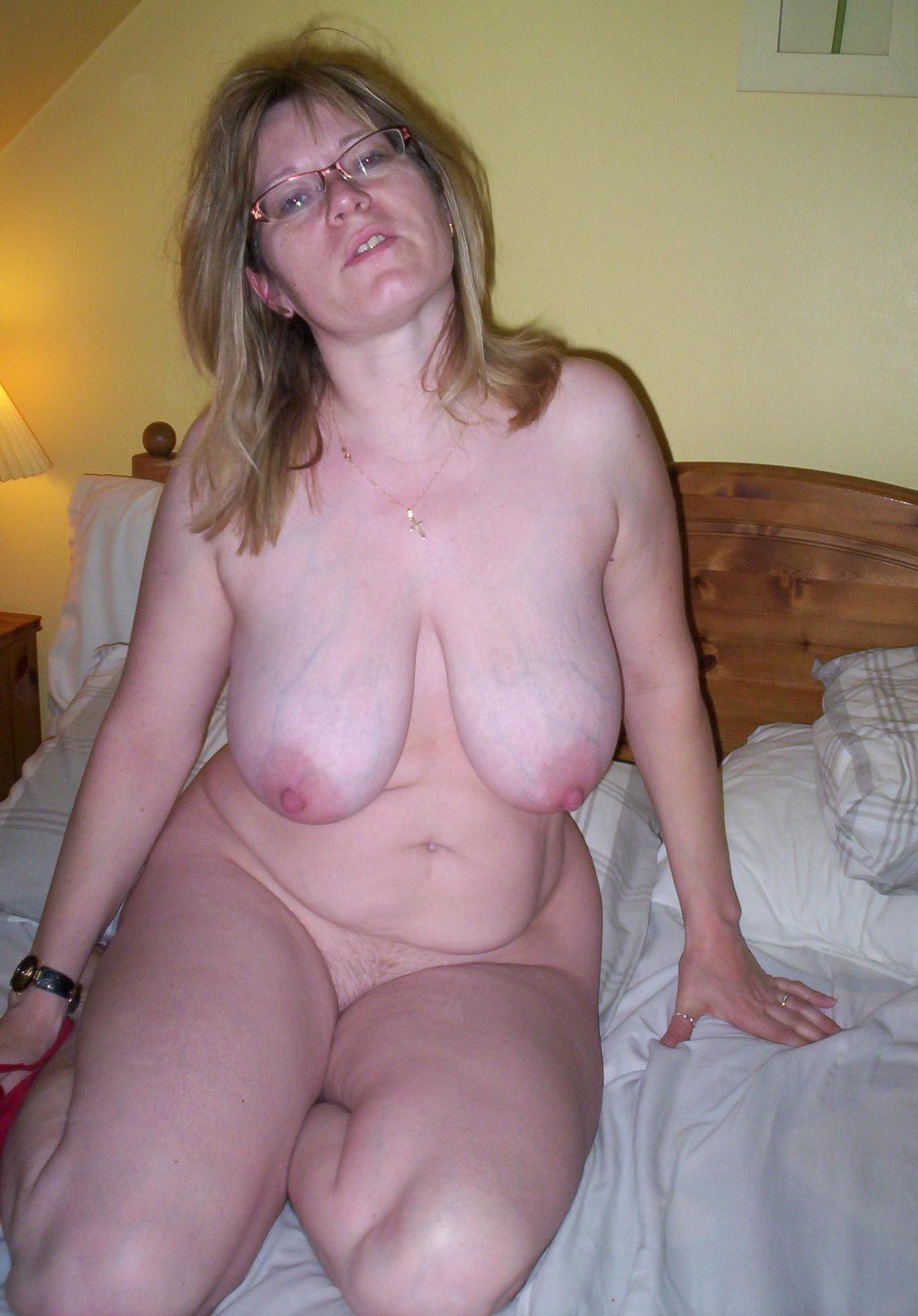 erotic model tube