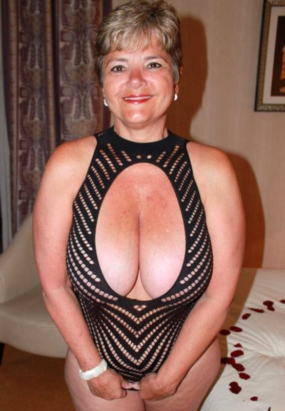 Mature women pics ing swinging couples websites