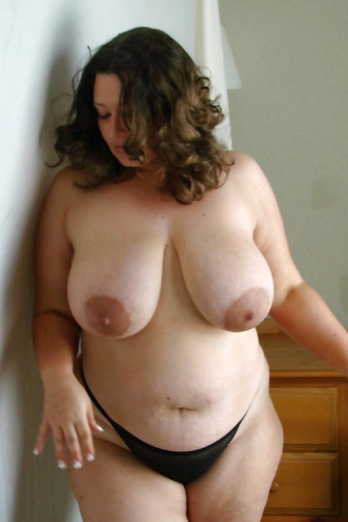 Natural busty nude