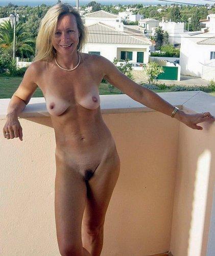 Nude russian women