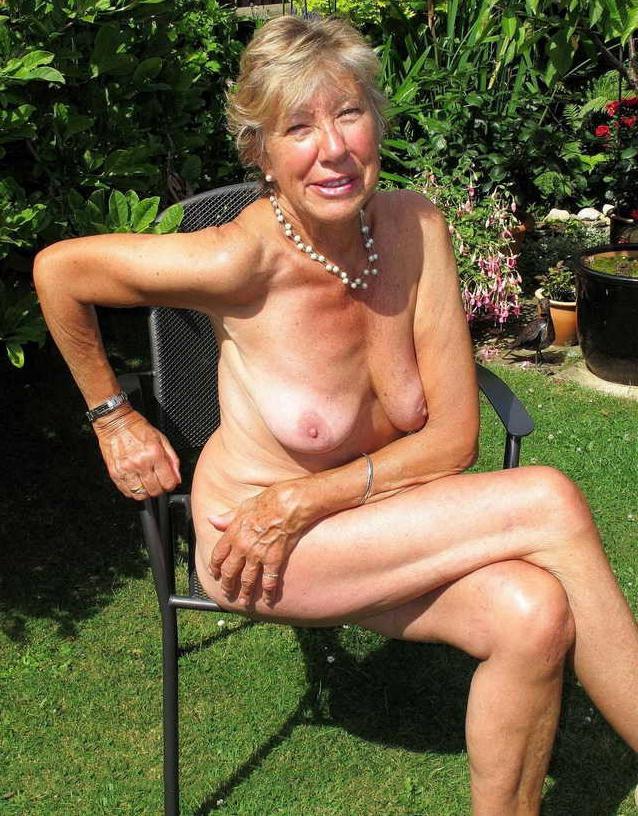 Best granny tits