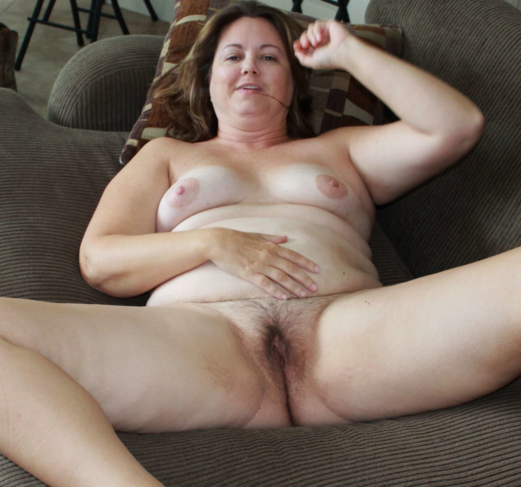 Hairy pussy older woman