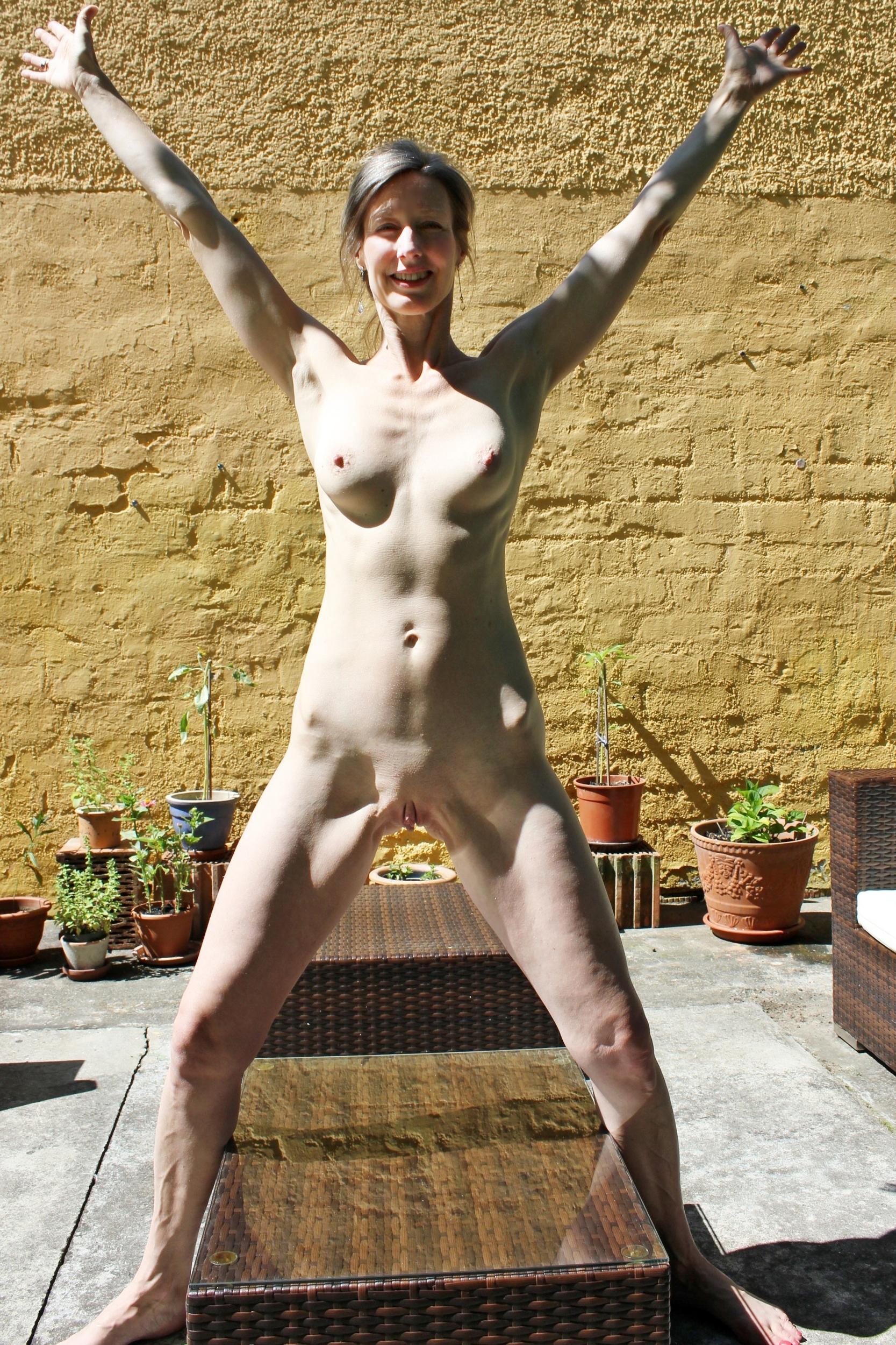 mature anal gaping pics