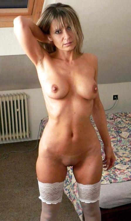 British Female Mature Solo Hd
